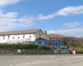 The Boathouse Hotel - Голігед - Building