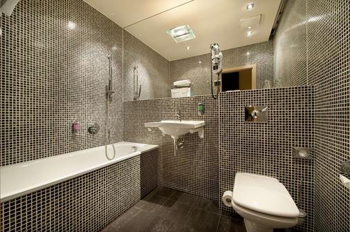 Ea Hotel Crystal Palace - Prag - Bad