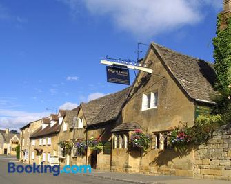 Eight Bells Inn - Chipping Campden - Building