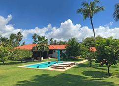 圖坎諾旅館 - Cumbuco - 游泳池