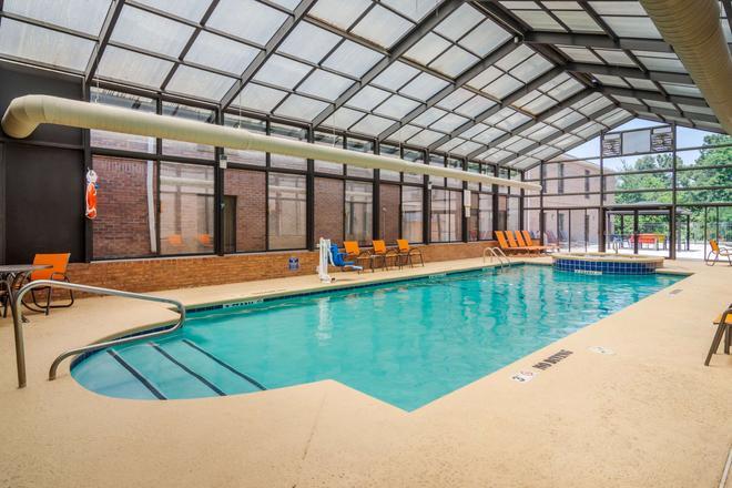 凱富旅館及套房酒店 - 皮利 - 佩里(喬治亞州) - 游泳池
