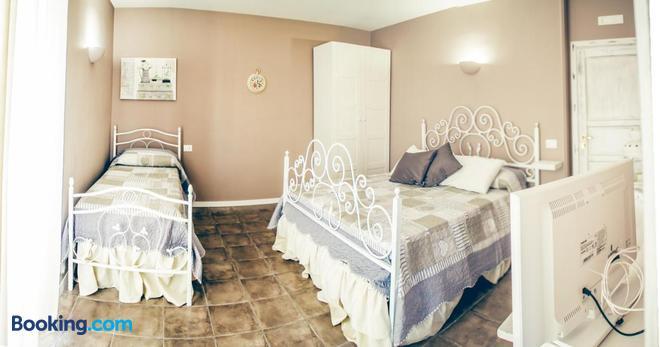 La Peonia - Naples - Bedroom