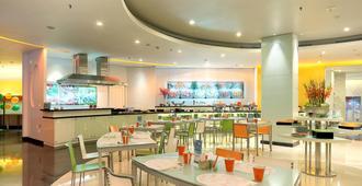 Harris Hotel Tebet Jakarta - Jakarta - Restaurant