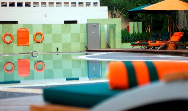 Harris Hotel Tebet - South Jakarta - Uima-allas