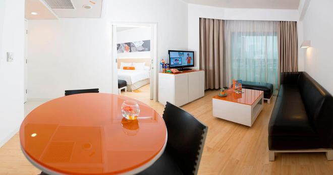 해리스 호텔 테벳 - 자카르타 남부 - 다이닝룸
