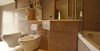 Hotel Fontebella - Assis - Casa de banho