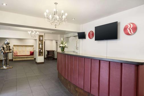 Ramada Resort by Wyndham Cwrt Bleddyn Hotel & Spa - Usk - Lobby
