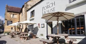 The Porch House - Cheltenham - Innenhof