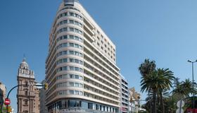 AC Hotel Málaga Palacio by Marriott - Málaga - Building