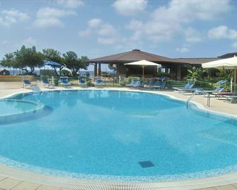 Residence Hotel Riviera Calabra - Zambrone - Pool