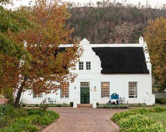 Basse Provence Guest House - Franschhoek - Building