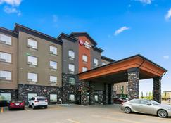 Best Western Plus Sherwood Park Inn & Suites - Sherwood Park - Building