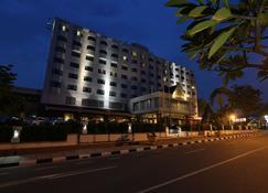 Aryaduta Pekanbaru - פקאנבארו - בניין