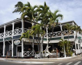 Best Western Pioneer Inn - Lahaina - Building