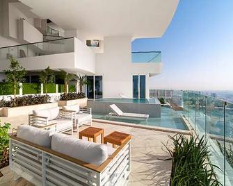 Five Jumeirah Village Dubai - Dubai - Pool