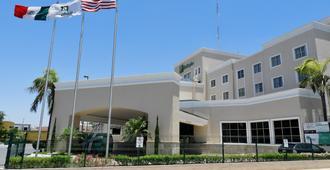 Holiday Inn Reynosa Zona Dorada - Рейноса