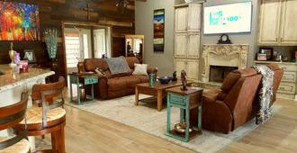 Cajun B&B - Baton Rouge - Living room