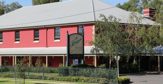The Lawson Riverside Suites - Wagga Wagga