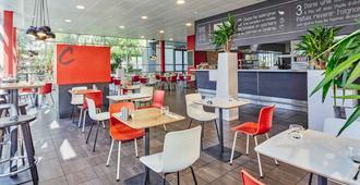 إيبيس باري سي دي جي إيربورت - ترمبلي أونفراس - مطعم