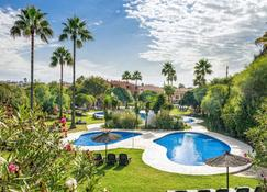 Los Amigos Beach Club By Diamond Resorts - La Cala de Mijas - Pool