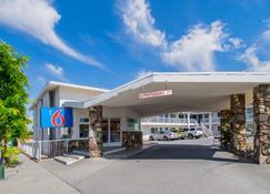 Motel 6 San Bernardino - Ca - Downtown - San Bernardino - Edifício