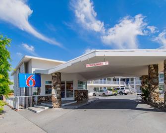 Motel 6 San Bernardino, Ca - Downtown - San Bernardino - Building