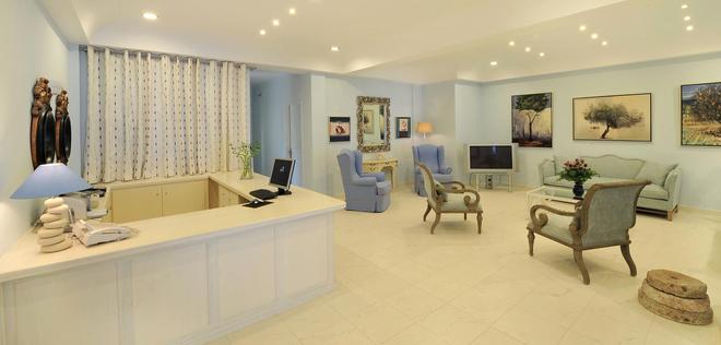 Alesahne Beach Hotel - Kamari - Accueil