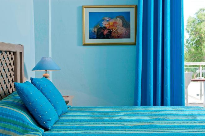 Alesahne Beach Hotel - Kamari - Chambre