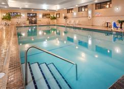 โรงแรมเบสท์เวสเทิร์น แรมโคตา - ราปิซีตี้ - สระว่ายน้ำ