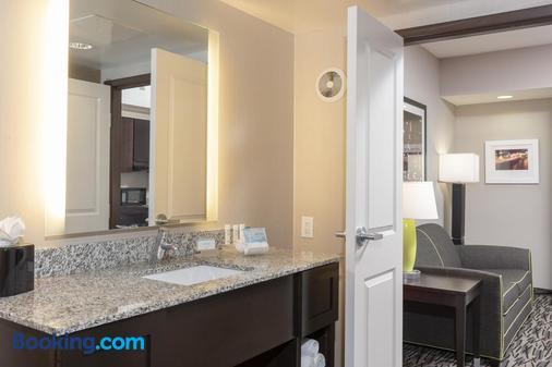 ホームウッド スイーツ バイ ヒルトン コロンバス / ポラリス、オハイオ - コロンバス - 浴室