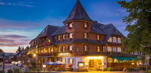 Hotel Schwarzwaldhof - Hinterzarten - Building