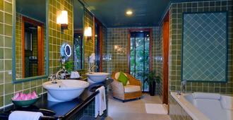 Angkor Village Hotel - Siem Reap - Banheiro