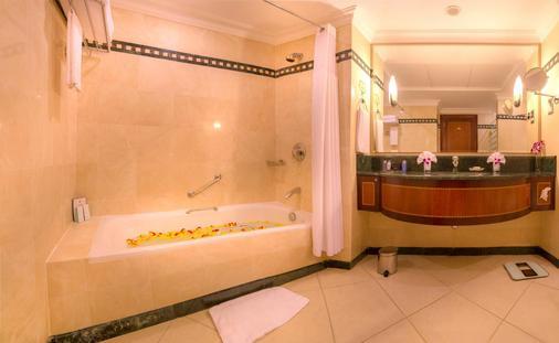 阿布扎比千禧濱海酒店 - 阿布達比 - 阿布達比 - 浴室