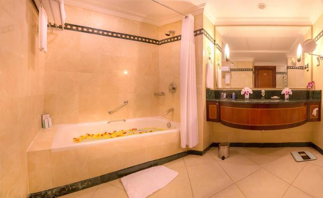 Corniche Hotel Abu Dhabi - Άμπου Ντάμπι - Μπάνιο