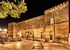 Castello Conti Filo - Torre Santa Susanna - Edificio