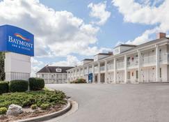 Baymont Inn and Suites Hickory - Hickory - Rakennus