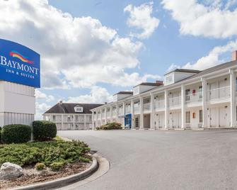 Baymont Inn and Suites Hickory - Хикори - Здание