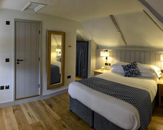 Ring of Bells Inn - Newton Abbot - Bedroom