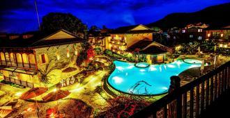 Temple Tree Resort & Spa - פוחארה - בריכה