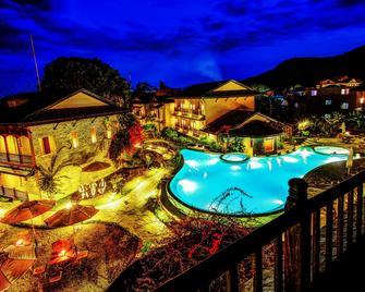 Temple Tree Resort & Spa - Pokhara - Pool
