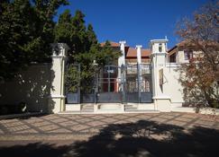 Cricklewood Manor - Pretoria - Building