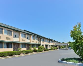 Americas Best Value Inn New Paltz - New Paltz - Gebäude