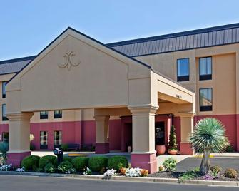 Hampton Inn Louisville I-65 @ Brooks Rd. - Brooks - Edificio