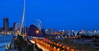 Holiday Inn Express Valencia Ciudad de las Ciencias - Валенсия - Вид снаружи