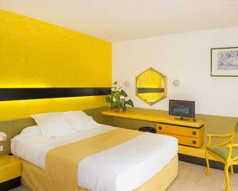 Hôtel Urbain V - Mende - Schlafzimmer
