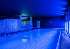 Park Inn by Radisson Pulkovskaya Hotel & Conferenc - Saint Petersburg - Bể bơi