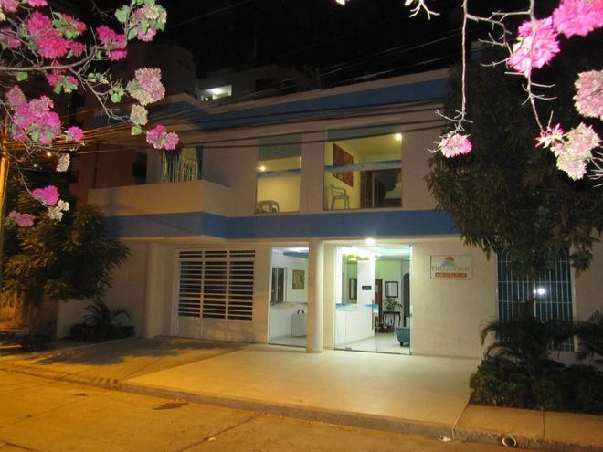 Brizzamar Hotel - Santa Marta - Building