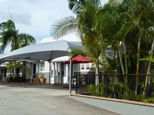 Best Western Caboolture Central Motor Inn - Caboolture - Building