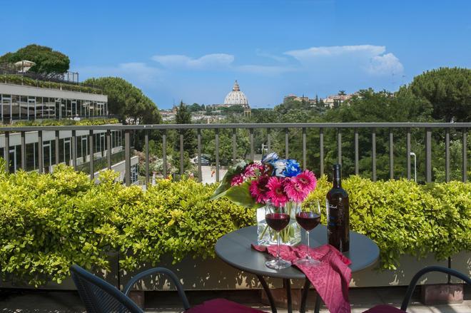 Cardinal Hotel St. Peter - Rome - Balcony