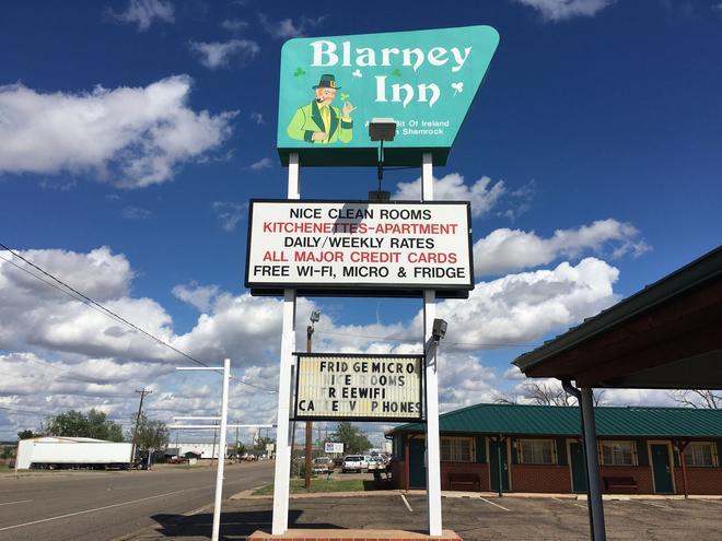 Blarney Inn - Shamrock - Building